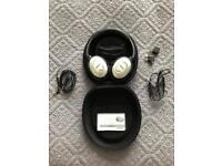 BOSE QC15 NOISE CANCELLING HEADPHONES LIKE NEW IN CASE