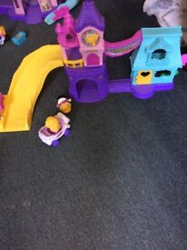 Fisher price little people town square