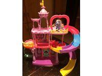 My Little Pony Castle / Slide
