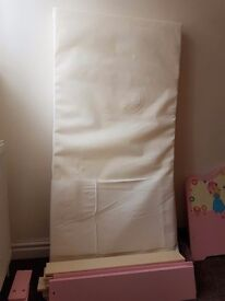 Girls bed 3-6 year's old is perfect condition including mattress