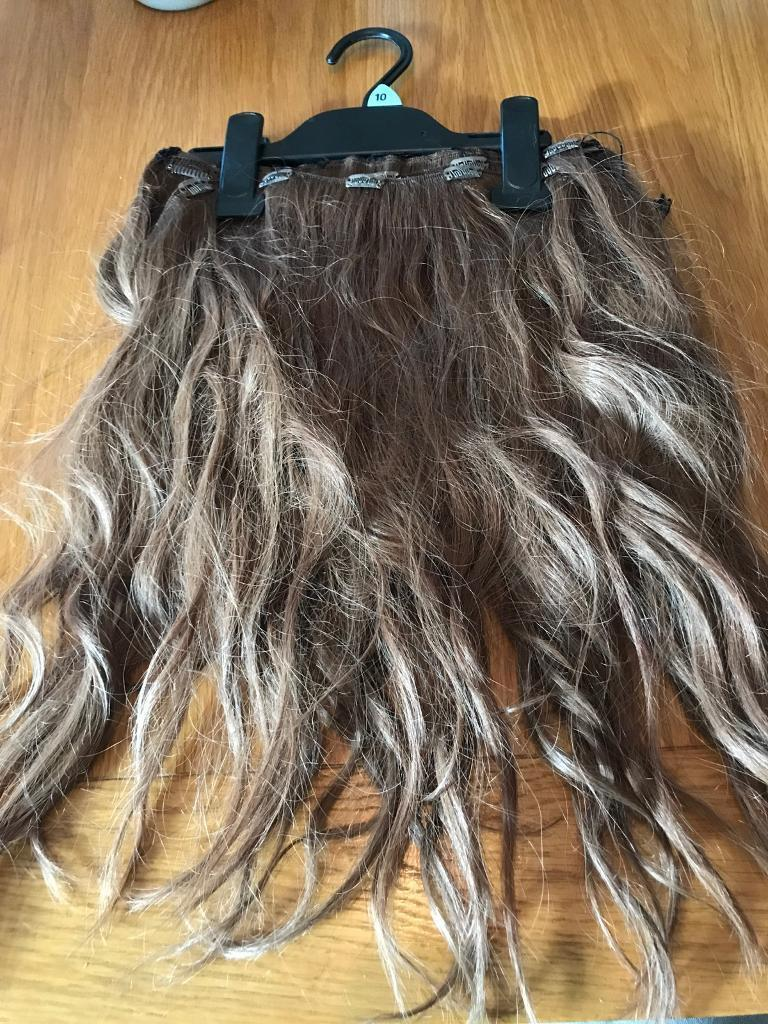 6x Clip In Hair Extensions Mousey Brown In Copthorne West Sussex