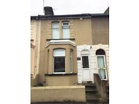 2 BEDROOM TERRACED HOUSE: VICTORIA STREET, GILLINHAM