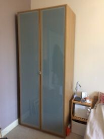Wardrobe Double hinged doors in frosted glass and oak effect surround