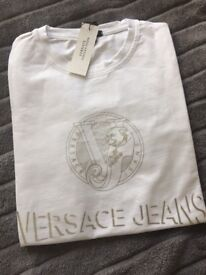 Brand new with tags Men's Versace T-Shirt size large