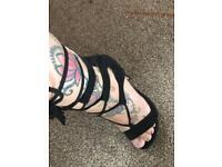 Beautiful tie up heels size 3
