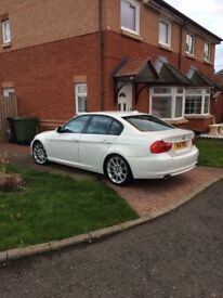 💥White BMW 3 Series for sale, 2010 plate, Mot May 2018, Road Tax only £20💥