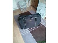 """""""Skyflite"""" wheeled suitcase"""