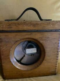 GOOD QUALITY CASED PIGEON CLOCK-THE AUTOMATIC TIMING CLOCK CO LTD.