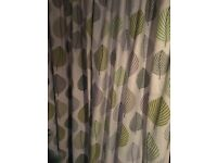Cream leaf pattern bay window curtaind