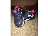 Girl infant Nike air max size 6.5