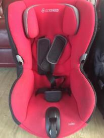 Maxi cost axiss car seat