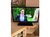 SAMSUNG 32 INCH THIN LED BLACK TV WITH REMOTE CONTROL