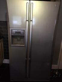 American Fridge Freezer - Water / Ice Dispenser