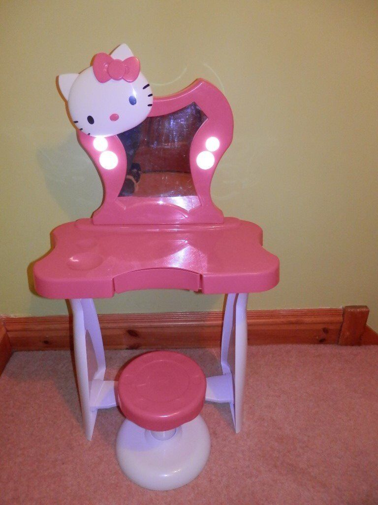 HELLO KITTY VANITY DRESSING TABLE STOOL WITH LIGHT UP MIRROR  HELLO KITTY  VANITY DRESSING TABLE. Hello Kitty Vanity   Mirror With Stool
