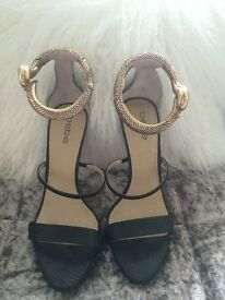 Black heels with gold snake wrap ankle cuff (SIZE 6)