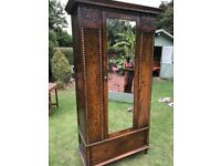 Solid oak wardrobe (can deliver)