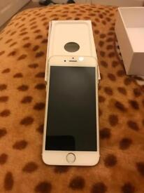 Iphone 6 gold in colour unlocked to all networks like brand new comes with charger & earphone