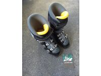 Salomon Evolution 9 ski boots mens size 26.5 UK 8