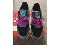 Nike trainers new in box uk5