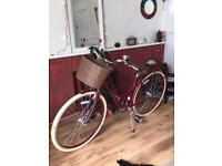 Beautiful, classic, elegant Raleigh Bicycle, exceptional condition, Burgundy RRP £300