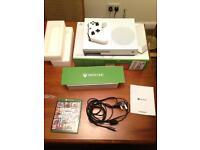 Xbox one 500GB white like New!!