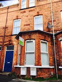 FURNISHED DOUBLE ROOMS MALONE AVE AVAILABLE