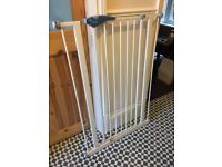 Lindam Tall Baby/ Dog Safety Gate - Used but in great condition