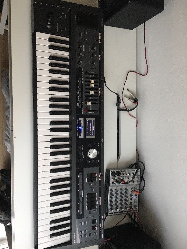 Roland VR-09 Synth
