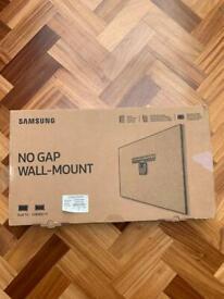 "Samsung No Gap Wall Mount for QLED TVs 49""-65"" (2018 TV Models)"