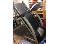 Extreme Trainer Treadmill - 1-20 KMH & 20 Degree Incline, 5 HP Motor.