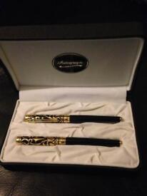 Autograph pen set - boxed & new