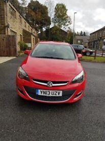Vauxhall astra eco flex 1.7 sri diesel 5dr hatchback. Red.