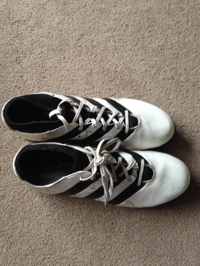 Adidas football trainersin Poole, DorsetGumtree - Adidas ace TF 16.3x size 9.5 adult football trainers. Only worn a couple of times so lots of wear left in them. White gold & black