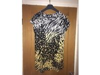 Women's v by very top