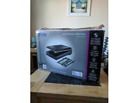 Epson Perfection V550 film scanner (mint condition with original box)