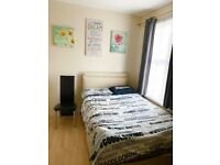 Lovely Double room close West Croydon station