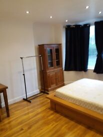 Double bedroom to rent in a Georgian house