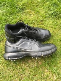 GOLF SHOES - NIKE - men's size 8.5