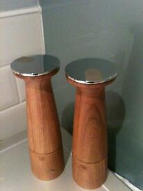 Crush and Grind salt and pepper mill - perfect kitchen gift Was £50 Now £20