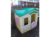 Little tikes Wendy house £30