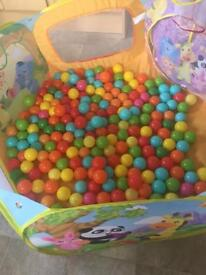 Ball pit with 3 bags of balls