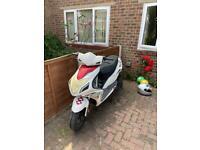 Sinnis harrier 125cc scooter/moped