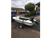 SPEED BOAT AND SUZUKI 4 OUTBOARD ENGINE !!!NO TEXTS !!!