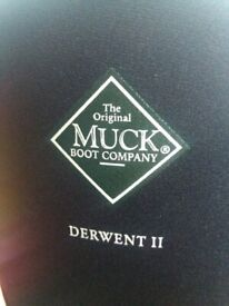 Brand new muck boots size 7