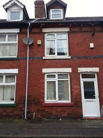 Sutton-in-Ashfield 3 bed terrace 2 reception rooms, combi boiler ch, double glazed kitchen bathroom