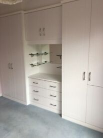 Fitted bedroom integrated wardrobes