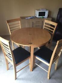 Round dining table 90 cm diameter and 4 chairs