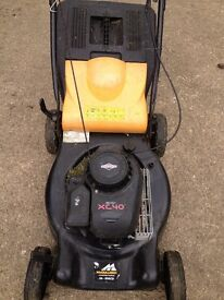 SELF PROPELLED PETROL LAWNMOWER - BRIGGS & STRATTON