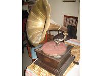 Original Varaphone Wind up Gramaphone with Brass horn 1920's/1930's