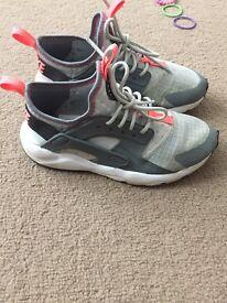 Kids Nike huracche trainers size uk 1